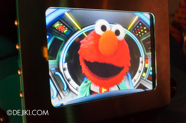 Spaghetti Space Chase - Elmo on Ride vehicle display