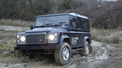 Легендарный Land Rover Defender станет электромобилем