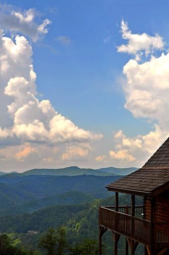 westernnorthcarolina wolfridge cabinview scenicwolfresort