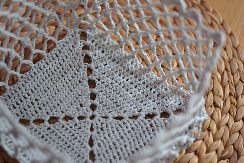 Corbeille carré crochet