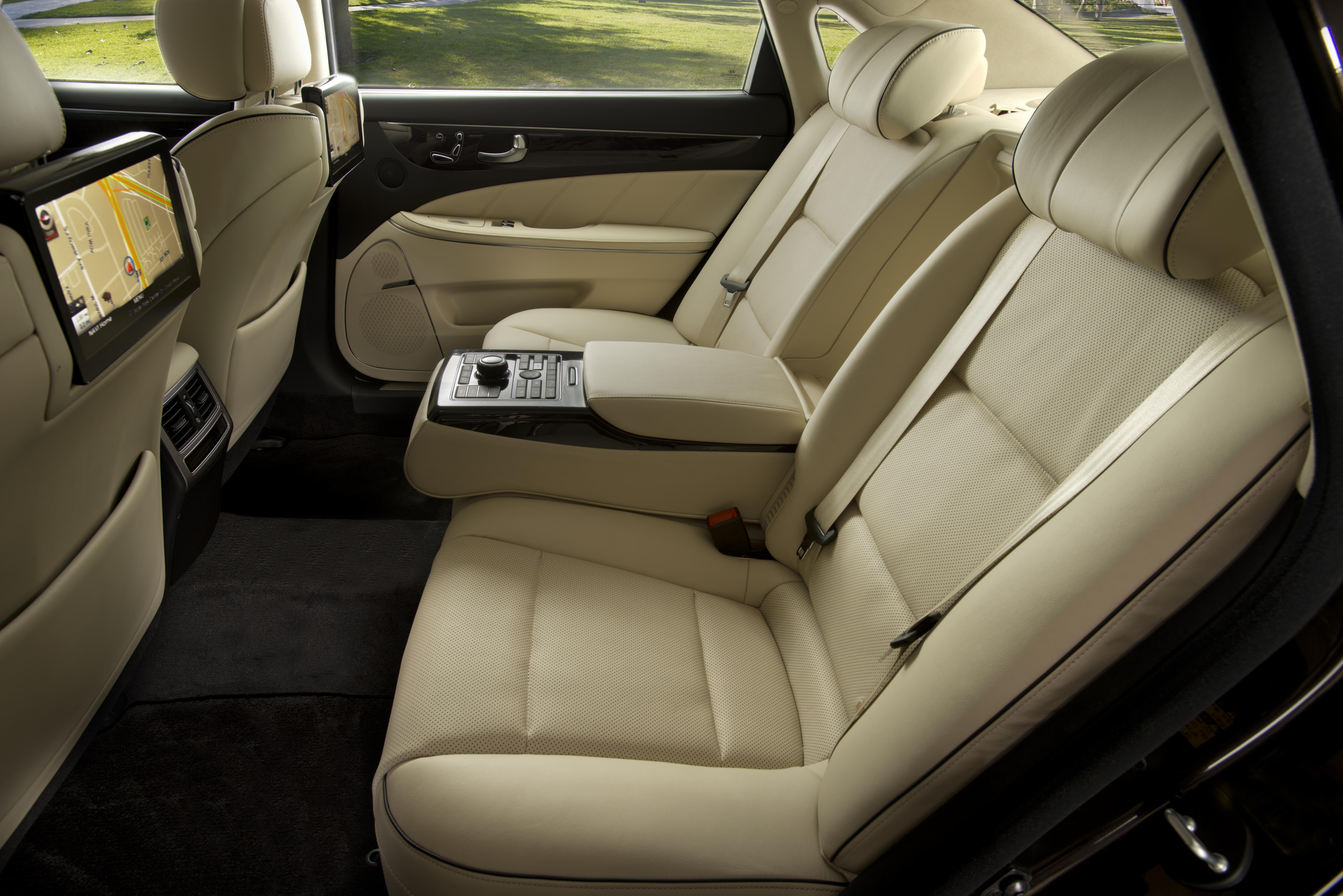 2008 - [Hyundai] i70 / i90 / Equus - Page 4 8596460506_73644b91c4_o