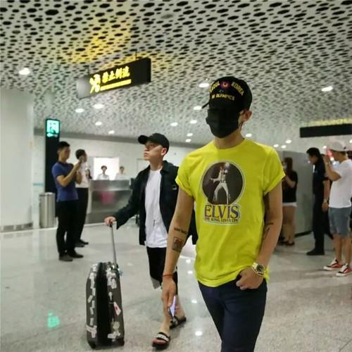 more BIGBANG arrival Shenzhen 2015-08-07 (21)