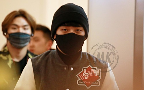 Big Bang - Haneda Airport - 27feb2015 - Seung Ri - Molly & Kelly's Shop - 02