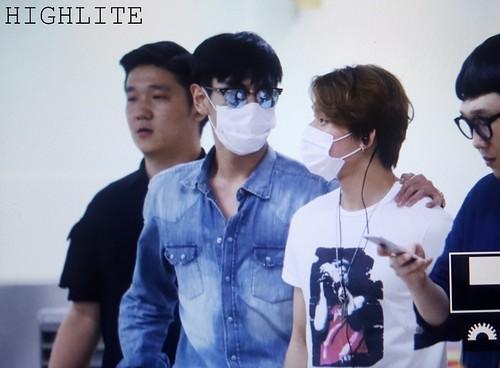 BIGBANG wout Seungri departure Seoul to Tokyo 2016-08-26 (7)