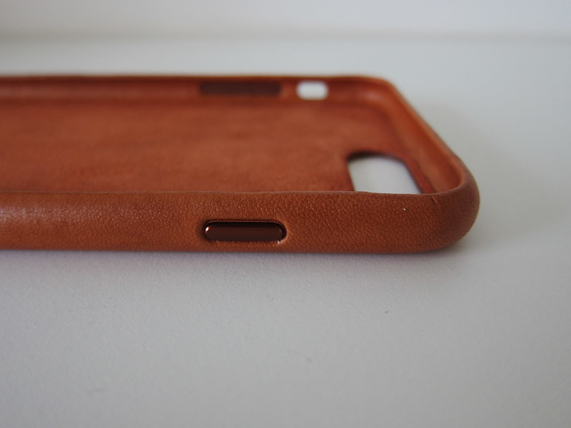Apple iPhone 7 Plus Leather Case (Saddle Brown) - Right Button