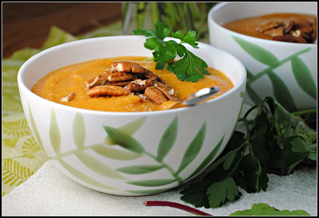 sweetpotatoapplechipotlesoup4