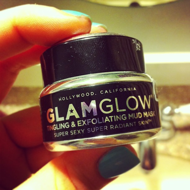 Sticking with my New Year's Resolution to take better care of my skin by using this Glam Glow Tingling & Exfoliating Mud Mask!