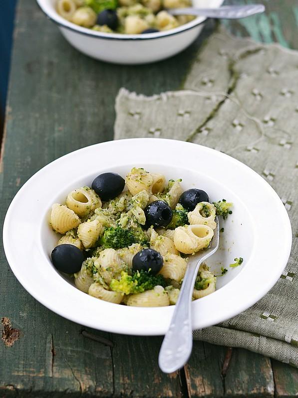 паста с брокколи и маслинами.3
