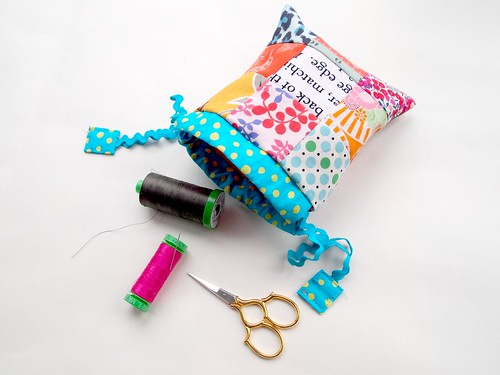 scrappy drawstring pouch