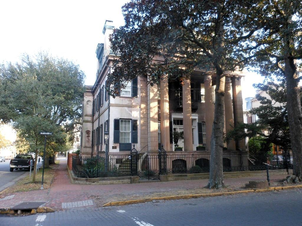 Harper fowlkes house historic district savannah georgia for Historic houses in savannah ga