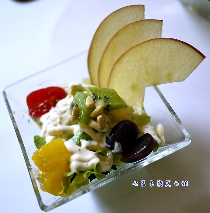 8 生菜沙拉