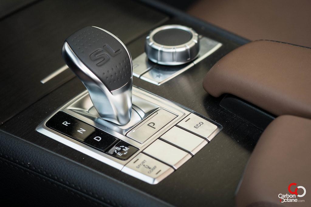 2013 mercedes benz sl500 review for Mercedes benz gloves