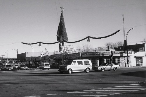 The intersection of West 95th Street and South Kedzie Avenue.  Evergreen Park Illinois.  Early January 1988. by Eddie from Chicago