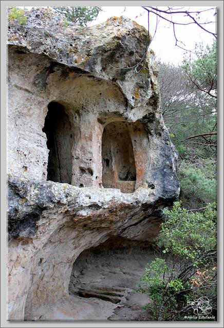 8 Cuevas de Pinedo