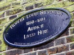 Photo of Robert Louis Stevenson blue plaque