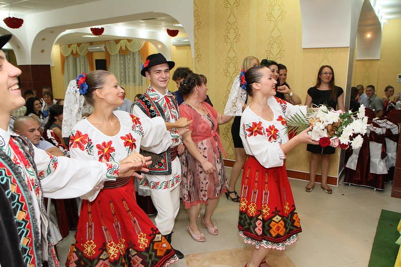"Танцоры ""IZVORAŞ"" / Свадебный танец!"