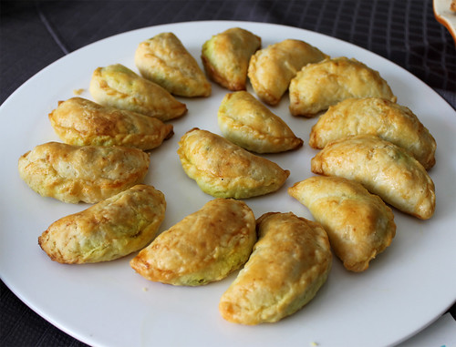 Curry Beef Puffs