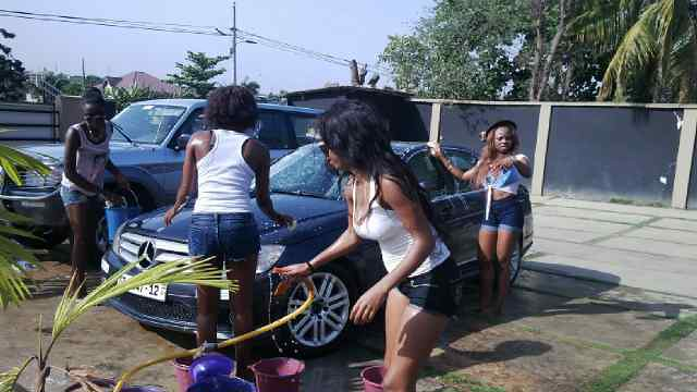 Juliet Ibrahim Foundation Divas Car wash (2)