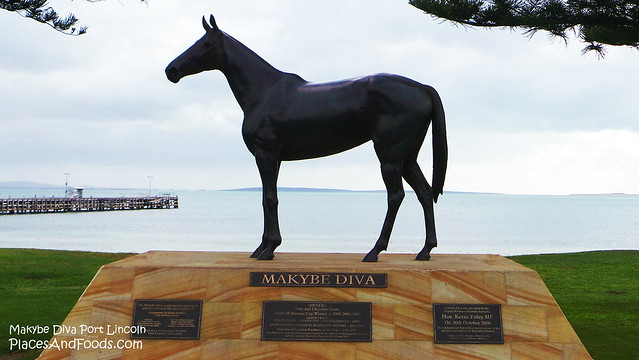 makybe diva statue close up