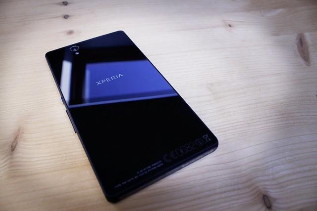 8579902097 78012ea7dc z Sony Xperia Z detaljno