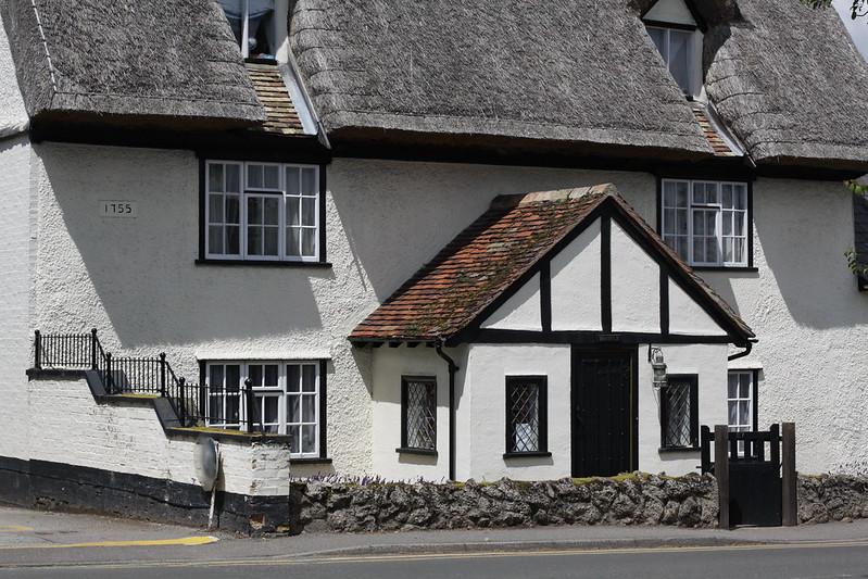 Một ngôi nhà cổ hơn hai trăm năm tuổi