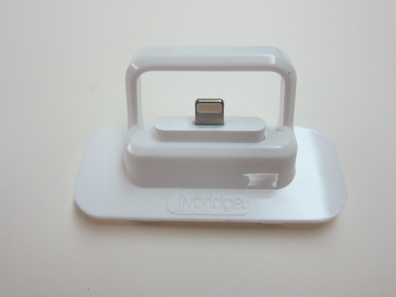 Flybridge (White) - With Lightning to 30-pin Adapter (Top  View)
