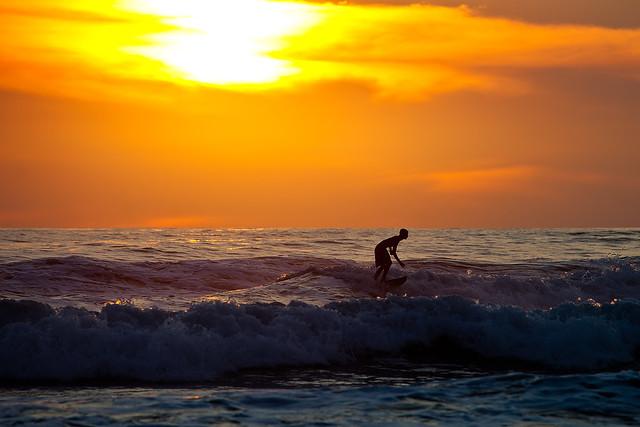 Sunset Surfing, Santa Teresa