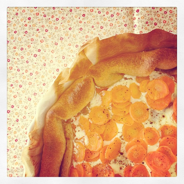 Torta salata alla crème fraîche e carote