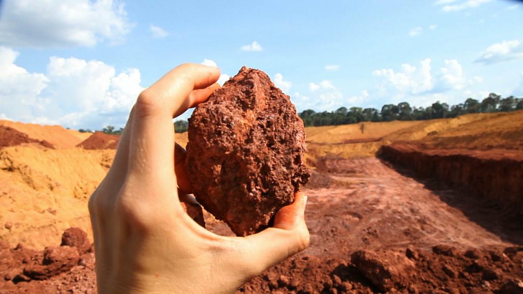 As 20 cidades do Pará que mais receberam CFEM em janeiro de 2018, Detalhe do minério de bauxita, Alcoa, Juruti - PA