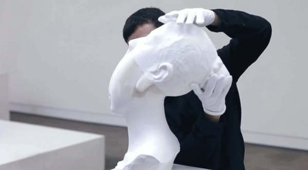 esculturas hechas de miles de hojas de papel