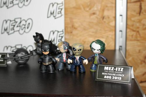 MEZCO_MEZIT_DC_COMICS_BATMAN-2