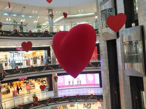 Óriásszív a Metrocity bevásárlóközpontban