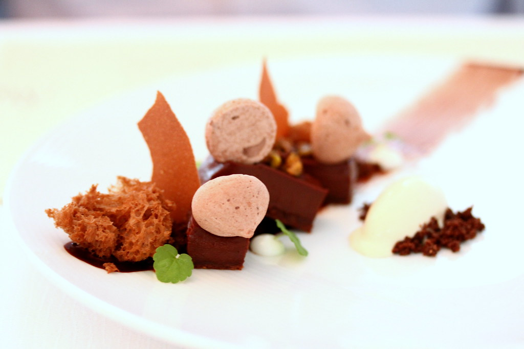 Restaurant Andre's royal chocolate palet, burnt butter ice cream and caramel cacao sponge