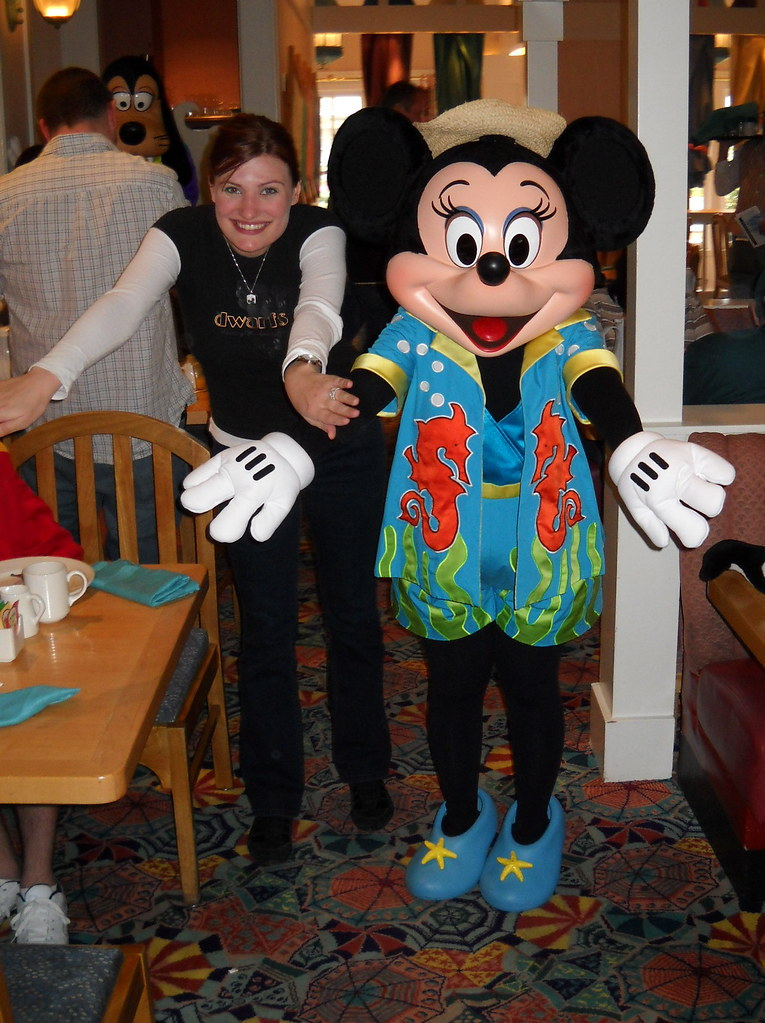 Resort Dining Walt Disney World Character Hunt