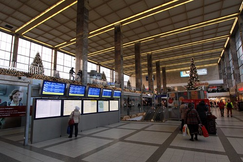 Main concourse of Wein Westbahnhof railway station