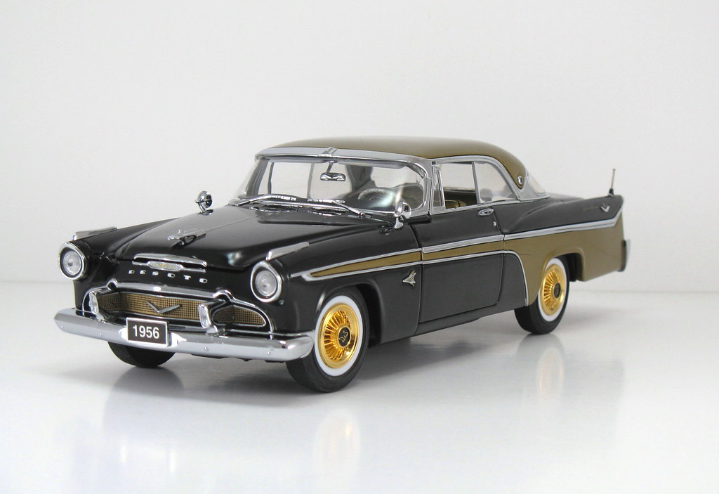 DBM006_A 1956 DeSoto Adventurer HT_Black & Gold