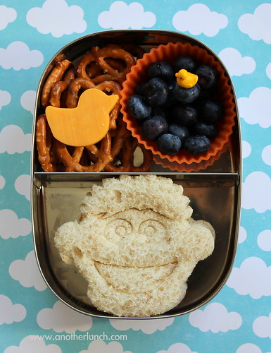 Sesame Street Ernie and rubber ducky snack lunch in Lunchbots box