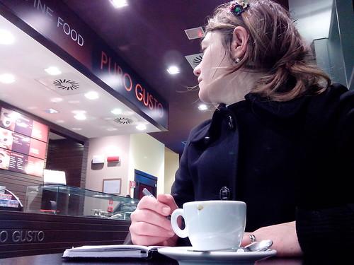 Un caffè al bar del cinema by Ylbert Durishti