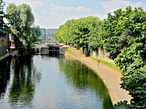 Regent's Canal from Mile End Road