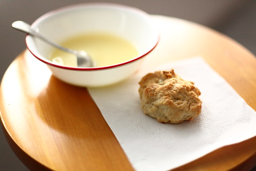 lemon curd and scone