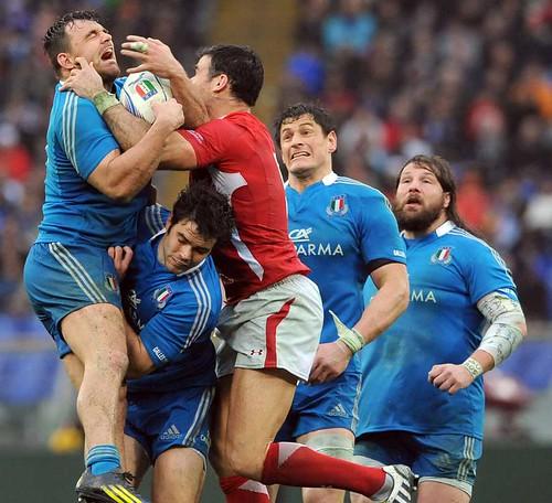 Gli Azzurri lottano contro il Galles