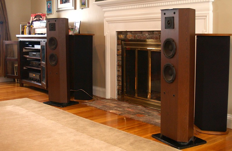 identifying your advent loudspeakers page 5 audiokarma. Black Bedroom Furniture Sets. Home Design Ideas