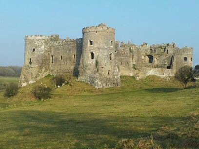 , A walk around Carew Castle and Mill Pond #CountryKids
