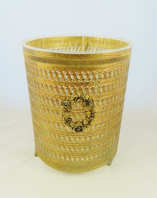 metal trash can with liner