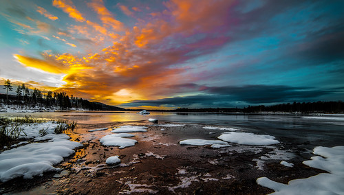 morning winter light sunset shadow sky panorama sun lake snow color ice water oslo norway clouds daylight nikon frost day cloudy horizon getty daybreak maridalen 14mm samyang maridalsvannet