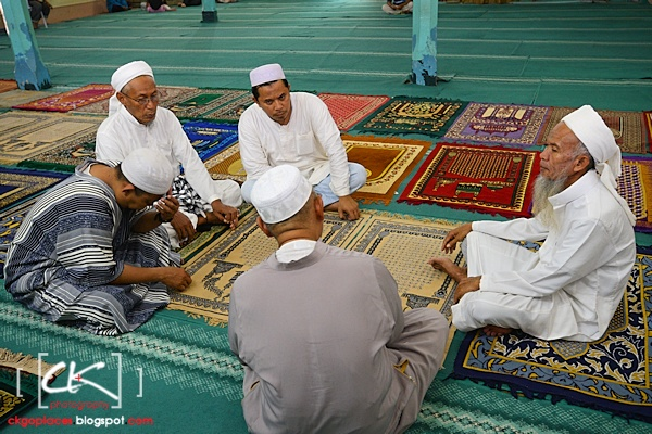 Masjid_Bandar_Kuching_03