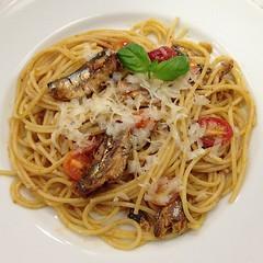 spaghetti alle vongole(0.0), spaghetti alla puttanesca(0.0), linguine(0.0), fettuccine(0.0), produce(0.0), mie goreng(1.0), bakmi(1.0), italian food(1.0), fried noodles(1.0), lo mein(1.0), bucatini(1.0), spaghetti(1.0), pasta(1.0), clam sauce(1.0), spaghetti aglio e olio(1.0), naporitan(1.0), pici(1.0), food(1.0), dish(1.0), chinese noodles(1.0), capellini(1.0), carbonara(1.0), vermicelli(1.0), cuisine(1.0), chow mein(1.0),