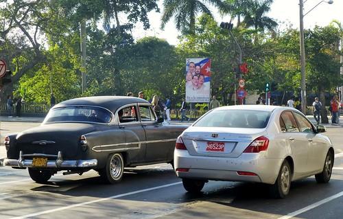 Chevrolet 1953, Geely Emgrand EC718 - La Habana, Cuba
