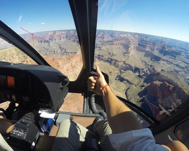 Vistas desde el helicóptero en el Gran Cañón del Colorado