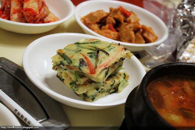 동문식당 - Banchan
